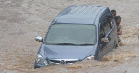 Kanvas Rem Belakang Mobil Avanza Pertolongan Pertama Jika Mobil Anda Terkena Banjir Astra