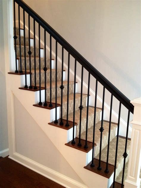 Banister Rail And Spindles by Best 25 Stair Spindles Ideas On Stair