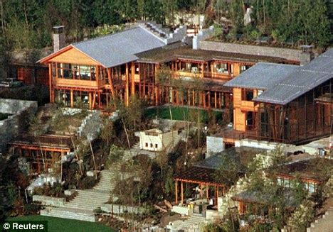 How Much To Build A 500 Sq Ft House by Interesting Facts On Bill Gates S Home