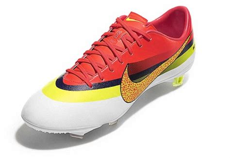 ronaldo new football shoes the new shoes of cristiano ronaldo the new nike cr