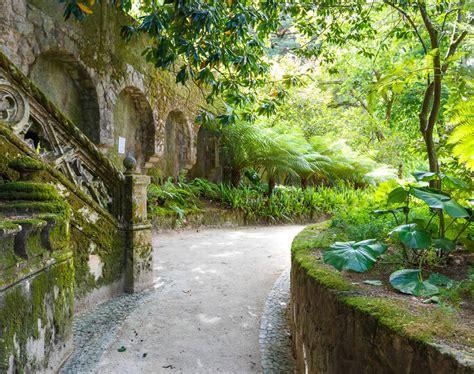 garten der quinta da regaleira erlebnisurlaub sintra mystisches quinta da regaleira