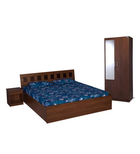 nilkamal bedroom furniture nilkamal reegan walnut bedroom set 2 door wardrobe with