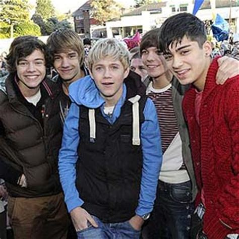 testo what makes you beautiful one direction what makes you beautiful lyrics mp3
