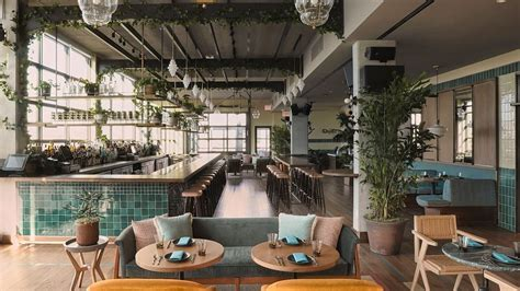 hoxton chicago opens business traveller