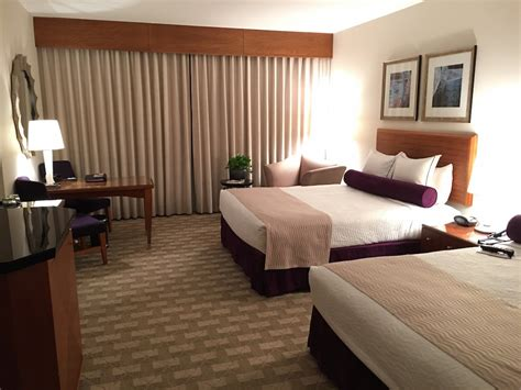 mohegan sun hotel rooms getaway at the mohegan sun resort and casino in uncasville connecticut traveling