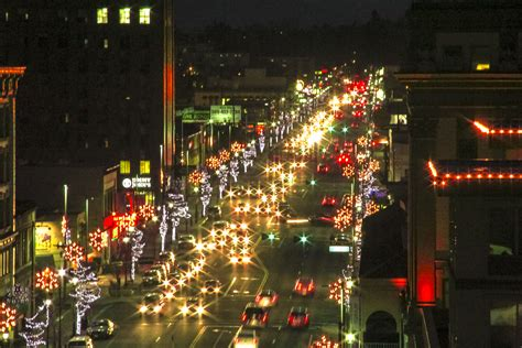 xmas lights in yakima photo of the week traffic twinkle 12 24 15 photo of the week city of yakima