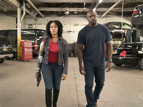 mike colter reg e cathey luke cage star says reg e cathey s last performance in