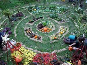 construire un jardin mandala c est simple c est beau et