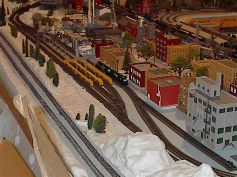 layout n scale n scale projects diesel fueling station w view of city