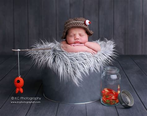 39 incredibly adorable newborn photo shoot ideas to hold 352 best newborn 0 2 weeks photo ideas images on
