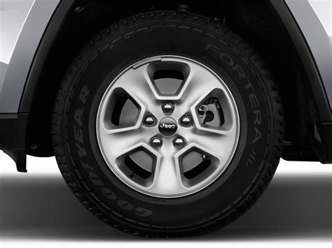 2017 jeep grand wheels image 2017 jeep grand laredo 4x2 wheel cap size