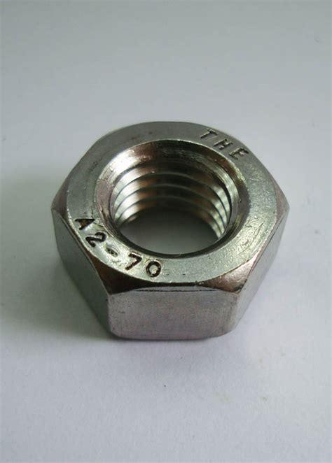 Baut Mur Stainless Steel 308 mur ss 304 or stainless steel 304 sinar terang