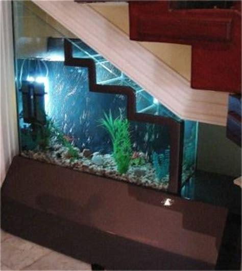 design rak aquarium desain tangga dan pemanfaatan ruang bawah tangga desain