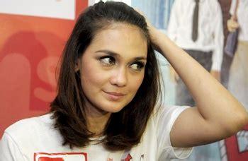 film indonesia super sedih luna maya sedih batal nobar gara gara filmya tak lagi