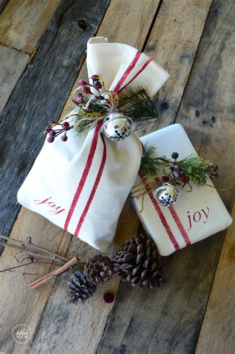 creative ways to wrap christmas gifts 27 creative gift wrapping ideas for