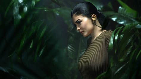kylie jenner balmain  wallpapers hd wallpapers id