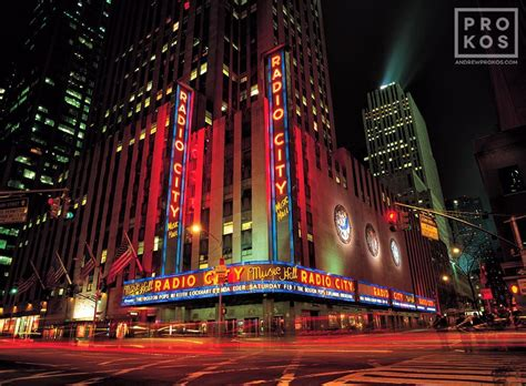 radio city music hall with christmas tree lights new