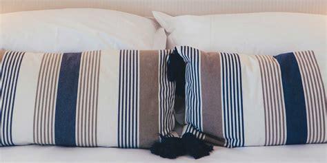 sul letto free printables come disporre i cuscini sul letto
