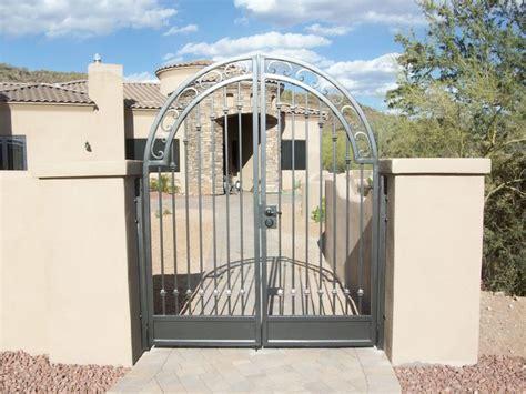 courtyard gates 1000 images about courtyard gates on mesas