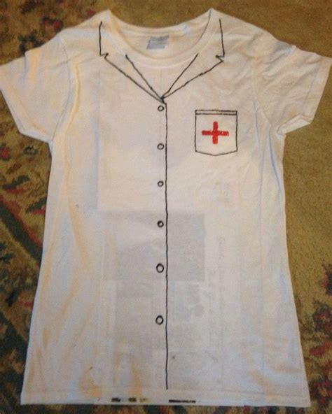 Decorating T Shirts With Fabric Markers by 25 Best Ideas About Fabric Markers On Fabric