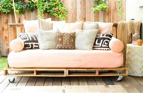 divani vecchi divano fai da te con vecchi materassi