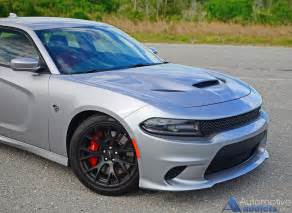 2016 dodge charger srt hellcat gets me a spin