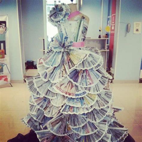 design gaun dari koran siapa sangka koran bekas bisa dibikin jadi gaun yang