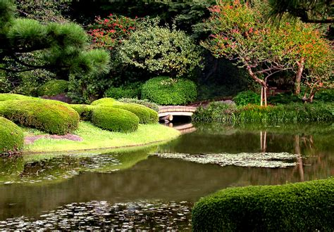 Imperial Garden by Five Places To Enjoy The Tokyo Triplelights