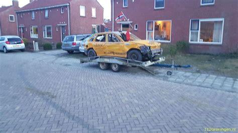 Cross Auto by 112groningen Cross Auto Botst Op Geparkeerde Auto