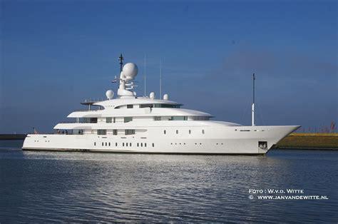 ilona yacht ilona side view photo by w van de witte yacht