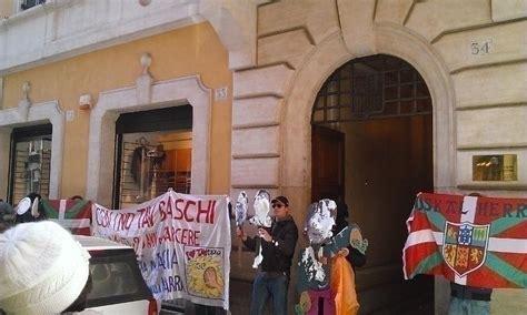 consolato spagnolo roma blitz no tav al consolato spagnolo contropiano