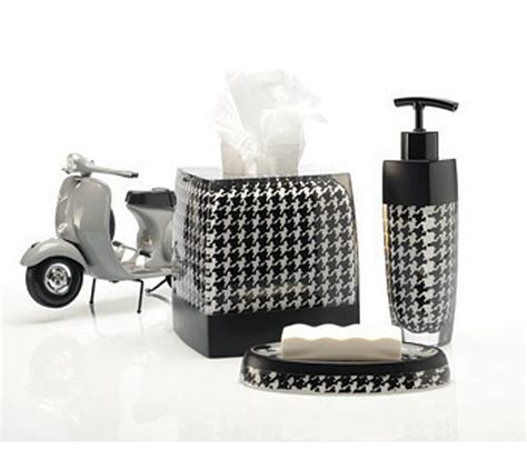 Houndstooth Bathroom Accessories Houndstooth Shower Curtain And Bath Accessories Townhouse Linens