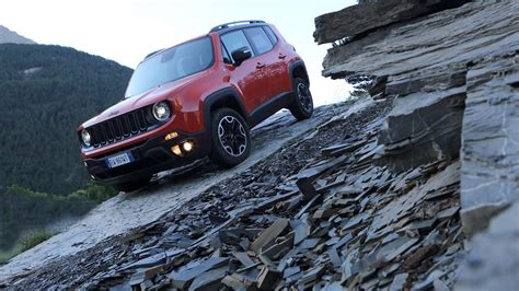 jeep crossover 2015 wallpaper jeep renegade crossover suv 2015 cars