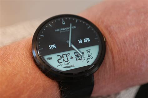 watching the watchmen my two months with moto 360 review