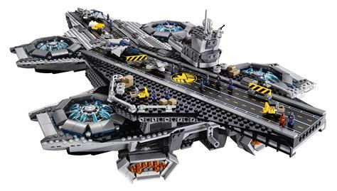 Mainan Figure Wars Pesawat Induk Millennium Falcon Hasbro lego helicarrier revealed images of s h i e l d set collider