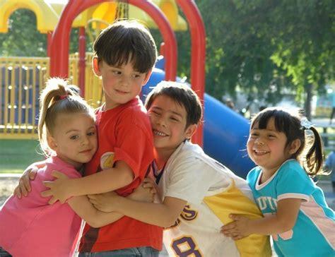 fotos o imagenes de niños jugando ni 241 os jugando el dia de gualeguaych 250