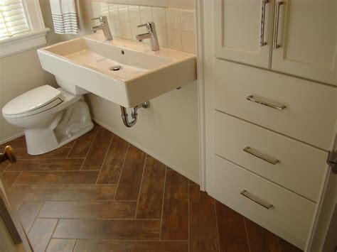 bathroom tile that looks like wood tile flooring that looks like wood bathroom traditional