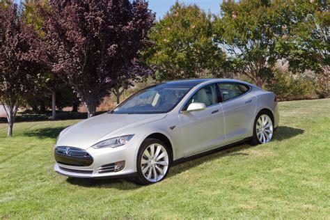 Tesla Model S Silver 2014 Tesla Model S Silver Photo 2