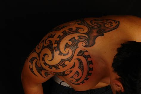polynesian octopus tattoo designs maori polynesian maori octopus design shoulder