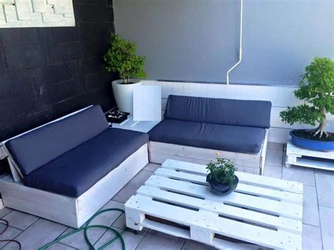 pallet sectional sofa cushions 50 ultimate pallet outdoor furniture ideas page 2 of 2