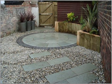 Small Paved Garden Ideas 13 Stunning Pebble Design For Spending Unforgettable Moments In Courtyard Top Inspirations