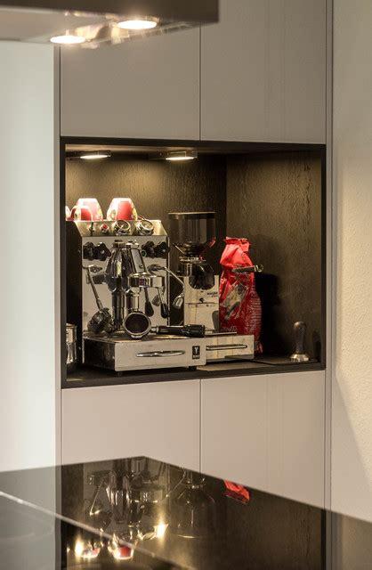 moderne kaffeemaschine k 252 che a detail regal f 252 r kaffeemaschine