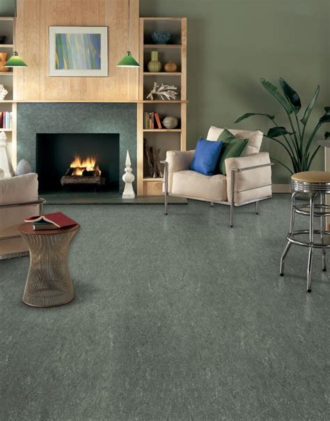 Linoleum Flooring In Living Room by 25 Best Ideas About Linoleum Flooring On