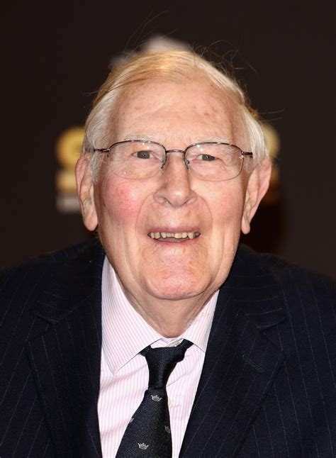 Roger Banister by Running Great Sir Roger Bannister Made A Companion Of