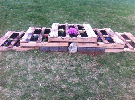 pallet flower bed 17 best images about in my yard on pinterest gardens