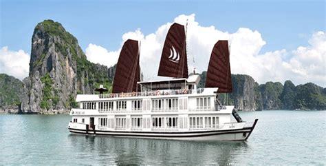 pelican junk boat halong bay pelican cruise halong bay halong junk cruise