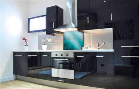 cr馘ence cuisine en verre design une cr 233 dence pour votre cuisine sur mesure simon mage