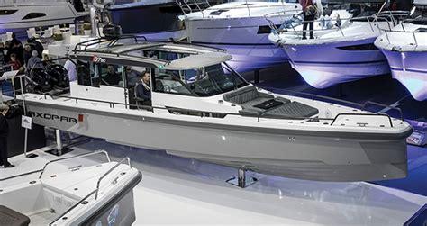 axopar  sport cabin power motoryacht