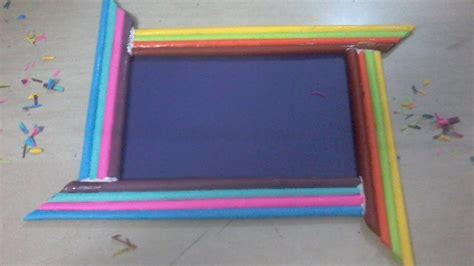 How To Make Paper Photo Frames - diy how to make photo frame using color paper rolls