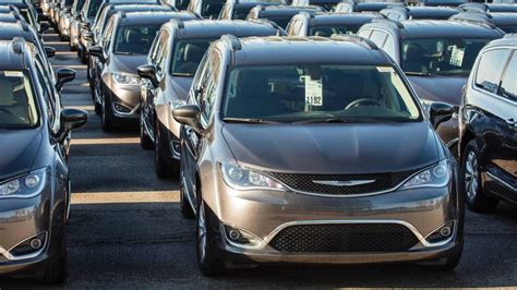 Chrysler Pacifica Recall by Chrysler Recalls 154 000 Pacifica Minivans For Stalling Issue